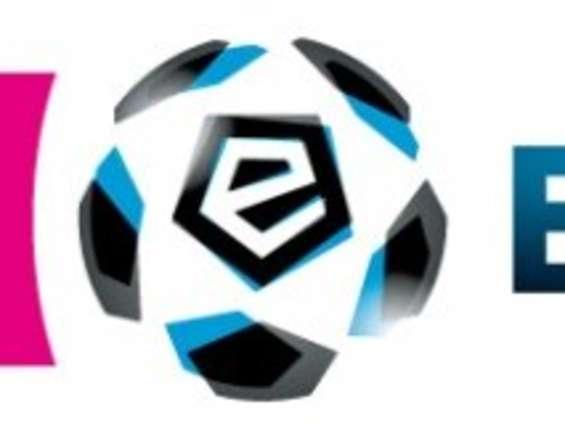 Kluby Ekstraklasy zarobiły więcej na marketingu
