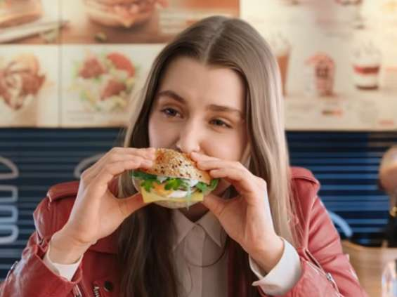 McDonald's reklamuje odświeżoną ofertę śniadaniową [wideo]