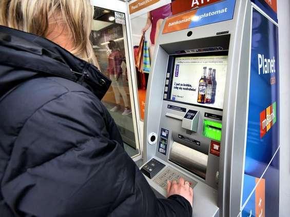 Synergic rozszerza ofertę reklamową o emisje na ekranach bankomatów