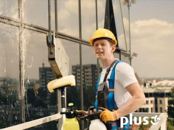 Spider-Man reklamuje Plusa