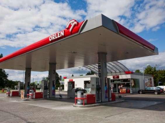 Klienci stacji paliw zadowoleni z obsługi