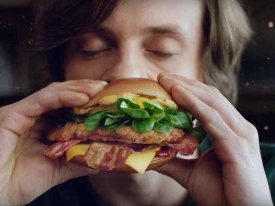 """McDonald's reklamuje """"mistrzowskie doznania"""" [wideo]"""