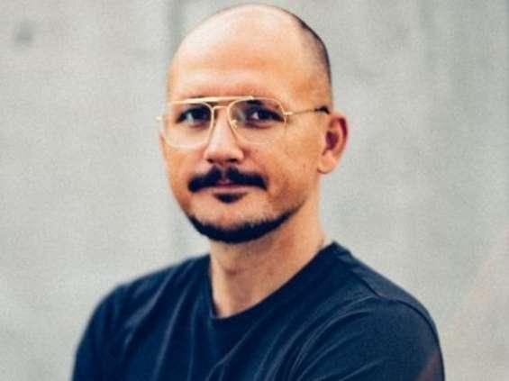 Piotr Chrobot wraca z Dubaju i zarządza kreacją agencji Life On Mars