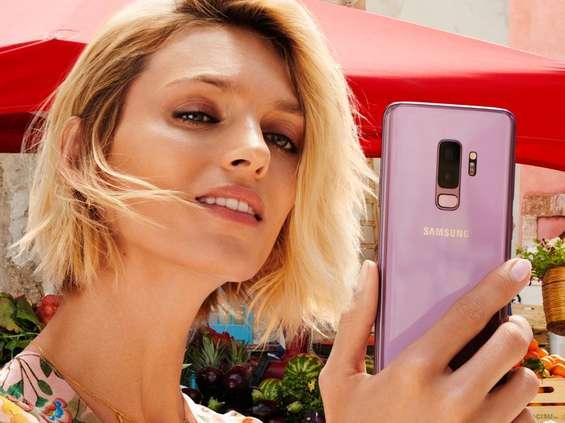 Anja Rubik reklamuje Samsunga