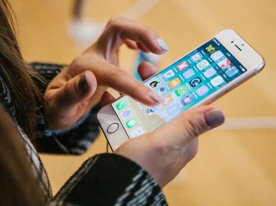 Apple ma rekordowe wyniki w trudnym zazwyczaj kwartale