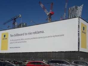 Aviva postawiła billboard oczyszczający powietrze