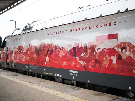 PKP Intercity świętuje niepodległość