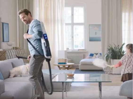 Sprzątający ojciec i dziecko bohaterami kampanii Boscha [wideo]
