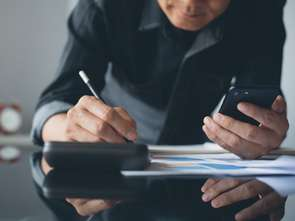 Starcom: W pracy nie rozstajemy się ze smartfonem