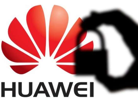 Dwa akty oskarżenia i 23 zarzuty przeciwko Huawei w USA
