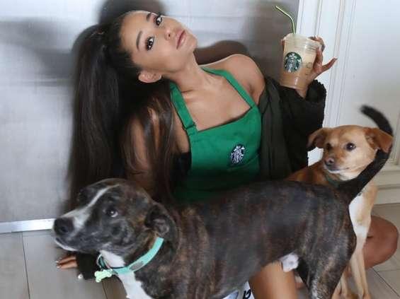 Ariana Grande promuje nowy napój Starbucks