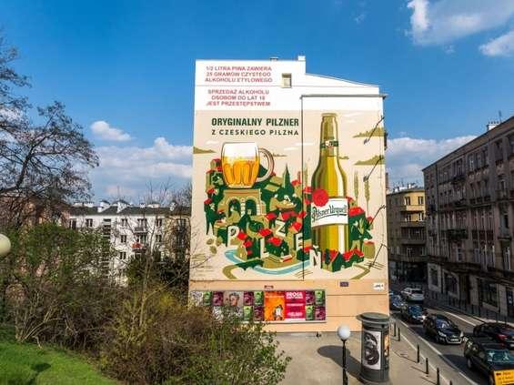 Murale Pilsnera Urquella w Warszawie i Krakowie
