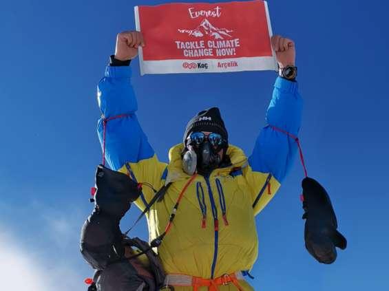 Zdobycie Mount Everest przez CEO częścią kampanii klimatycznej koncernu Arçelik