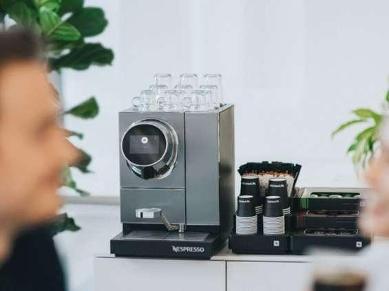 86 proc. Polaków robi sobie przerwę na kawę w pracy