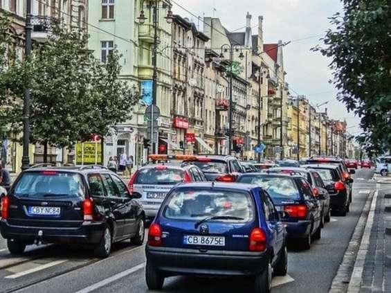 Importerzy samochodów nie żałowali pieniędzy na reklamy