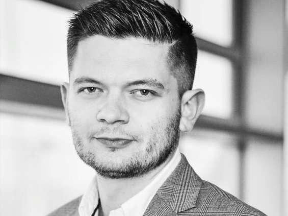 Adam Burak odpowiada za marketing w zarządzie Orlenu