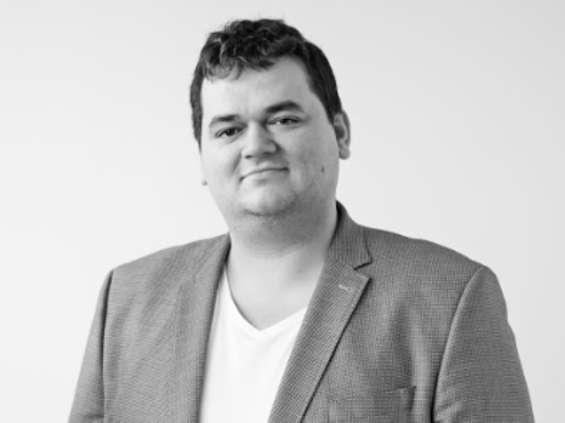 Maciej Bielicki wraca do branży reklamowej