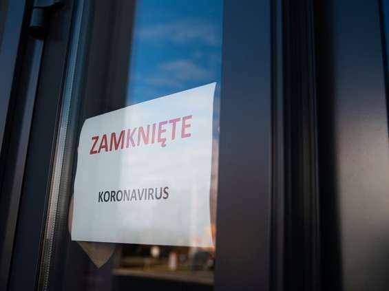 Koronawirus: zamykane sklepy, zmiany w e-commerce