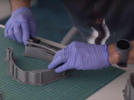 Dentsu Aegis Network produkuje przyłbice ochronne dla placówek zdrowotnych [wideo]