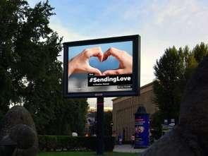 #SendingLove - największa na świecie kampania DOOH także w Polsce