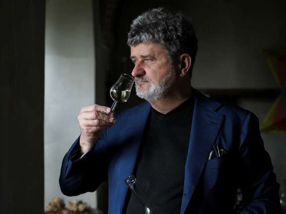 Janusz Palikot otworzy 10 Alkotek - lokalnych destylarni alkoholi