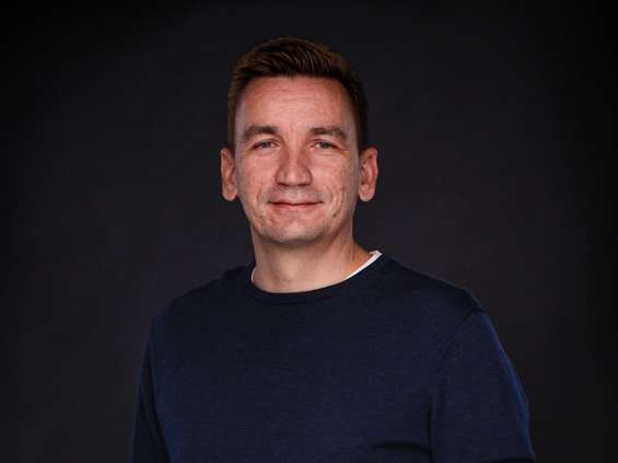 Marcin Mroczek pokieruje kreacją w Life on Mars
