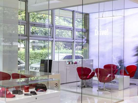 Communication Unlimited przeprowadza metamorfozę salonów Suzuki