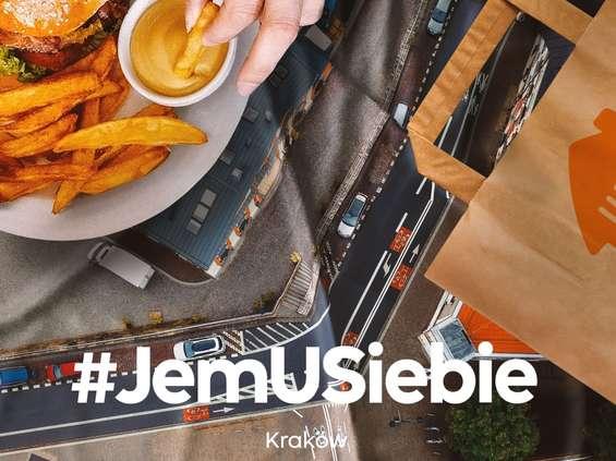 """Pyszne.pl w kampanii """"Jem u siebie"""" wykorzystuje zdjęcia z dronów"""