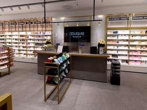 Douglas testuje perfumerie butikowe