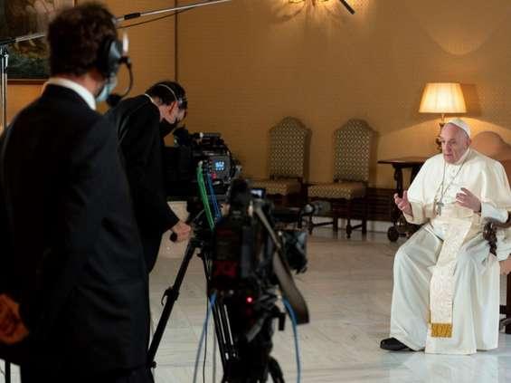 Netflix pokaże serial dokumentalny na podstawie książki papieża Franciszka