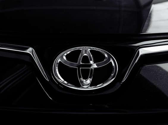 Toyota ponownie numerem 1 w sprzedaży samochodów