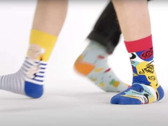 Zespół Kolorowych Skarpetek - branża marketingowa wspiera osoby z zespołem Downa [wideo]