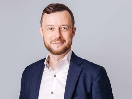 Tomasz Kwiatkowski na czele e-commerce w Proomni z Grupy Komunikacja Plus
