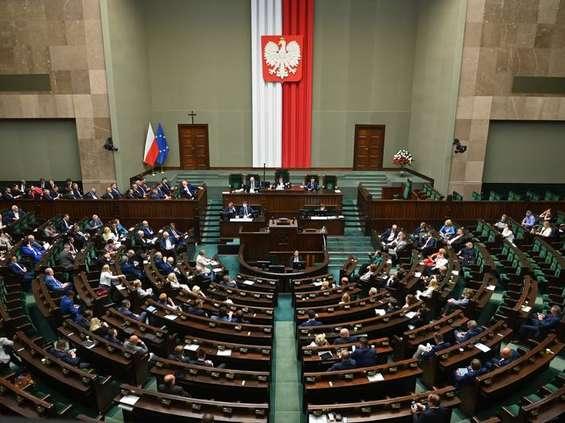 """Sejm przyjął """"lex TVN"""""""