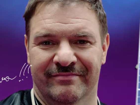 Tomasz Karolak ponownie reklamuje panele fotowoltaiczne Sunday Polska [wideo]