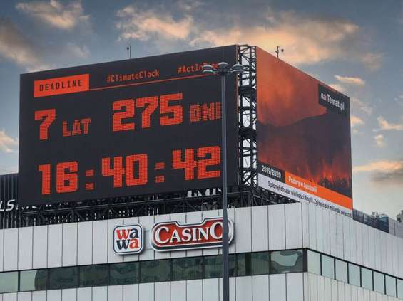 Zegar w centrum Warszawy odlicza czas do katastrofy klimatycznej