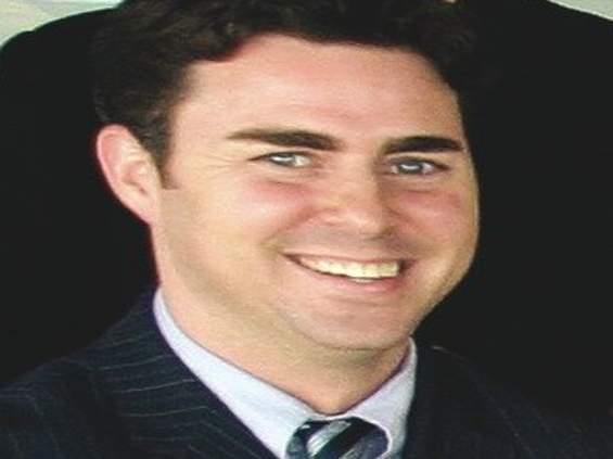 Kariery: John Domas pokieruje Y&R Brands